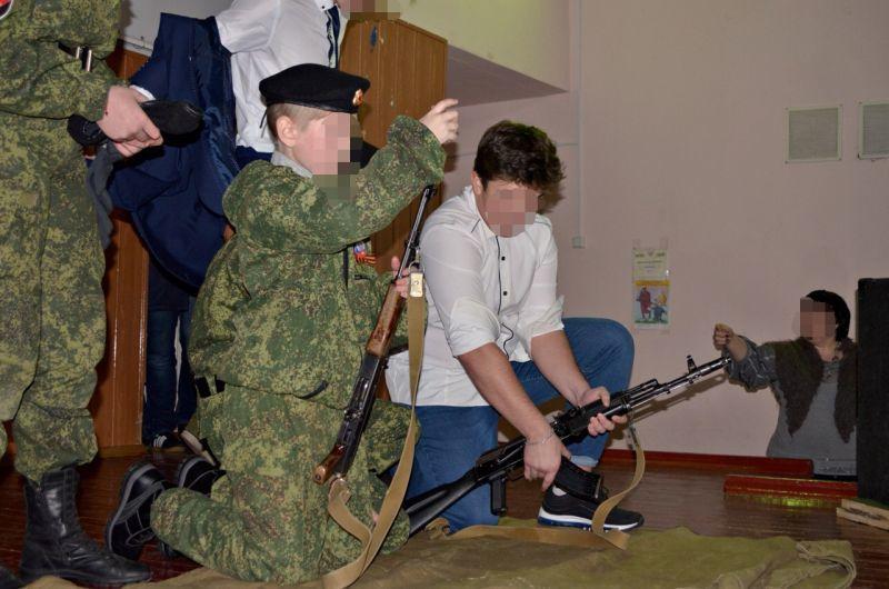 На Донеччині прокуратура розпочала розслідування за фактом втягнення дітей у воєнний конфлікт (ФОТО)