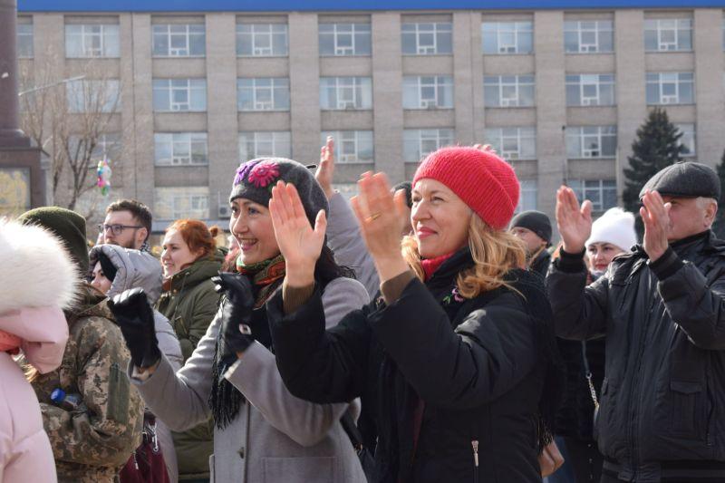 Військовий оркестр «Едельвейс» привітав мешканців Сєвєродонецька з Днем добровольця (фото)