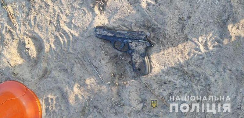 Чоловік кинув вибуховий пристрій у представників поліції на Луганщині (фото)